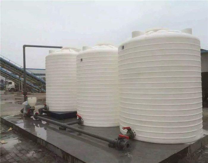 绿化塑料水箱怎么去污